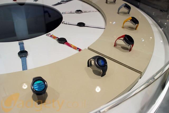 מגוון הצבעים של ה-Samsung Gear S2 (צילום: גאדג'טי)
