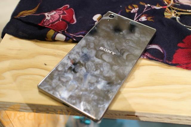 Sony Xperia Z5 Premium (צילום: גאדג'טי)