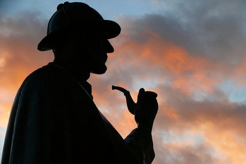 פסלו של שרלוק הולמס בבייקר סטריט, לונדון