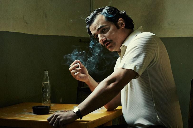 עלילותיו של ברון הסמים פאבלו אסקובר. זמינות לצפייה דרך Netflix בלבד