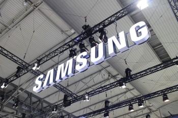 דיווח: סמסונג מתכננת להשיק שני סמארטפונים עם מסך גמיש בתחילת 2017