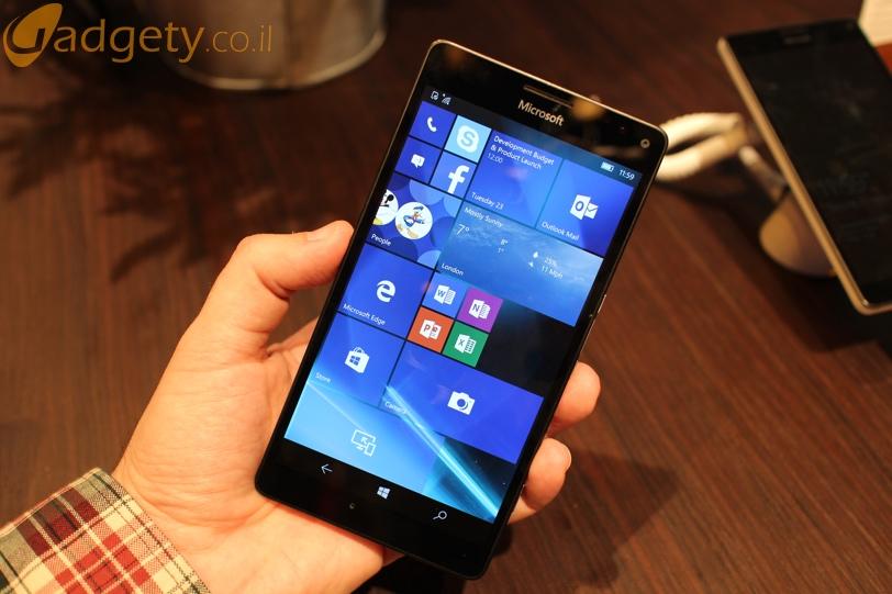 Microsoft Lumia 950XL מריץ את מערכת ההפעלה ווינדוס 10 למובייל (צילום: גאדג'טי)