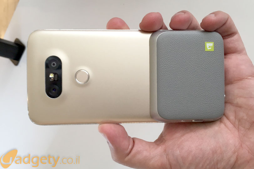 LG G5 עם מודול מצלמה (צילום: גאדג'טי)