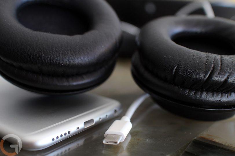 כבל USB Type-C עם אוזניות (צילום: גאדג'טי)