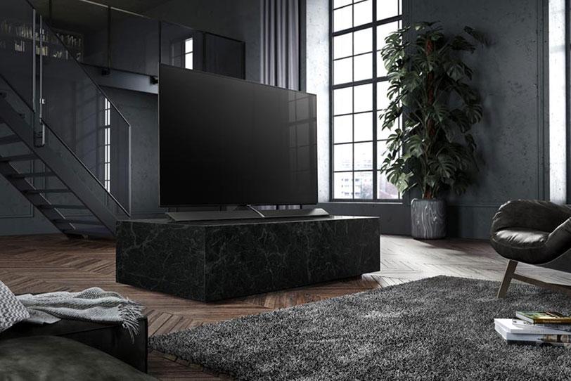 """טלוויזיה מדגם EZ1000 של Panasonic (קרדיט תמונה: יח""""צ פנסוניק)"""