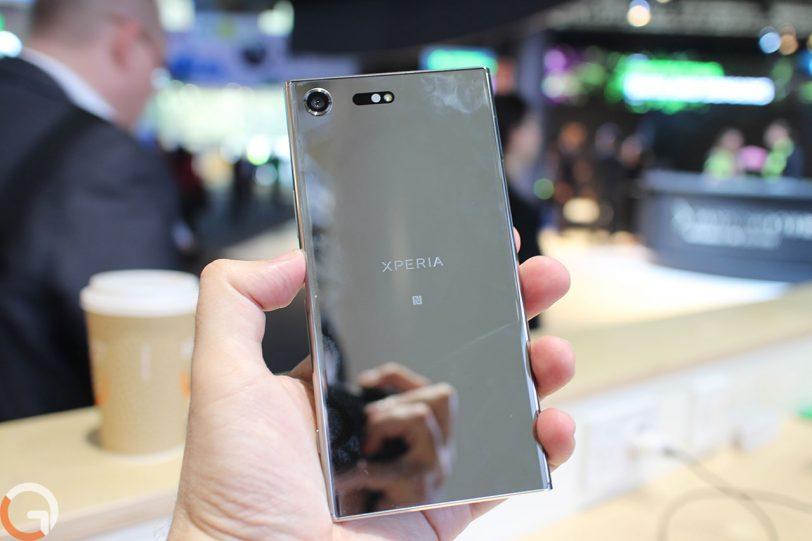Sony Xperia XZ Premium (צילום: רונן מנדזיצקי, גאדג'טי)