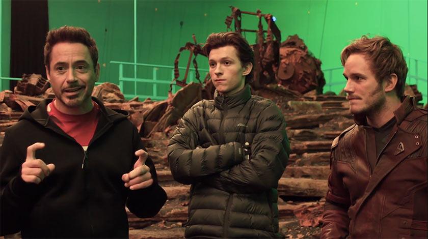 """מימין לשמאל: כריס פראט (סטארלורד), טום הולנד (ספיידרמן) ורוברט דאוני ג'וניור (איירון מן) מתוך הסט של """"הנוקמים: מלחמת האינסוף"""""""