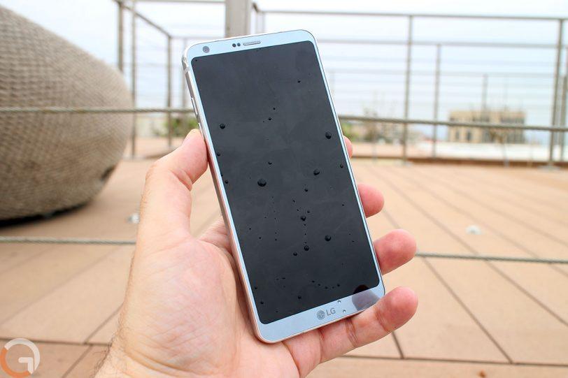 LG G6 (צילום: רונן מנדזיצקי, גאדג'טי)
