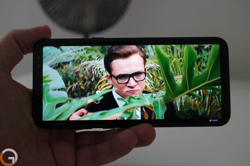 מצב תצוגה מתוח ללא EDGE ב-Samsung Galaxy S8 Plus (צילום: רונן מנדזיצקי, גאדג'טי)