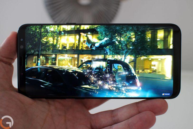 מצב תצוגה מלאה ב-Samsung Galaxy S8 Plus (צילום: רונן מנדזיצקי, גאדג'טי)