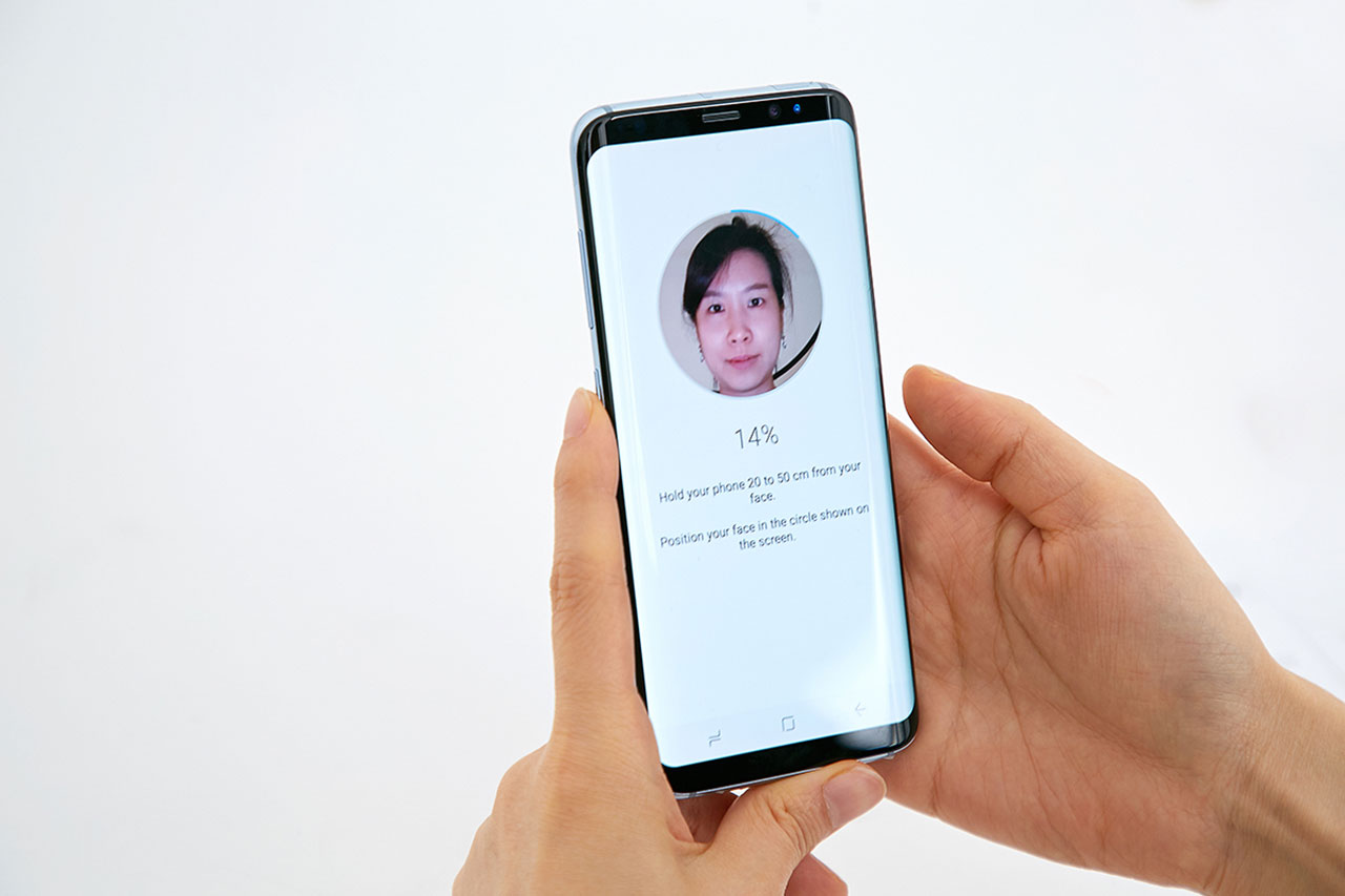 """זיהוי פנים ב-Samsung Galaxy S8 (תמונה: יח""""צ סמסונג)"""