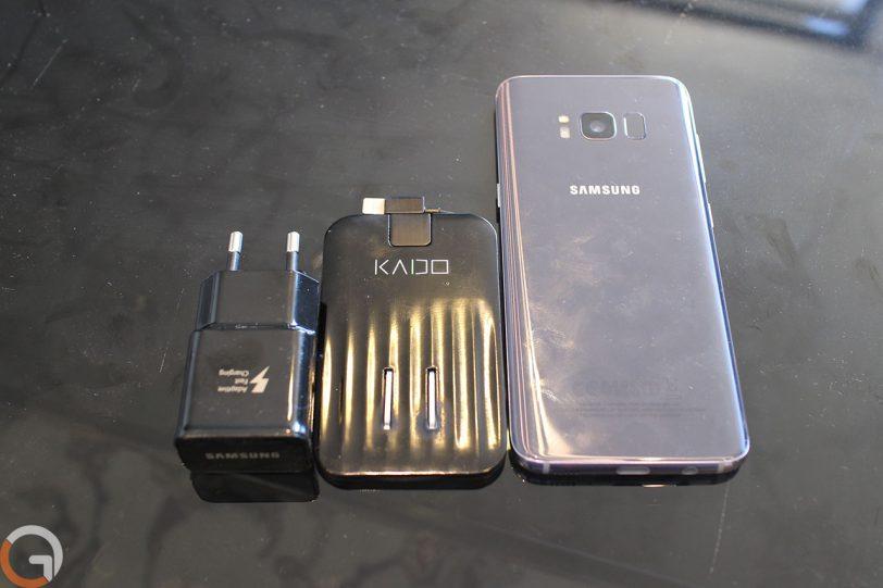 מימין לשמאל: גלקסי S8, מטען KADO, מטען גלקסי S8 (צילום: רונן מנדזיצקי)
