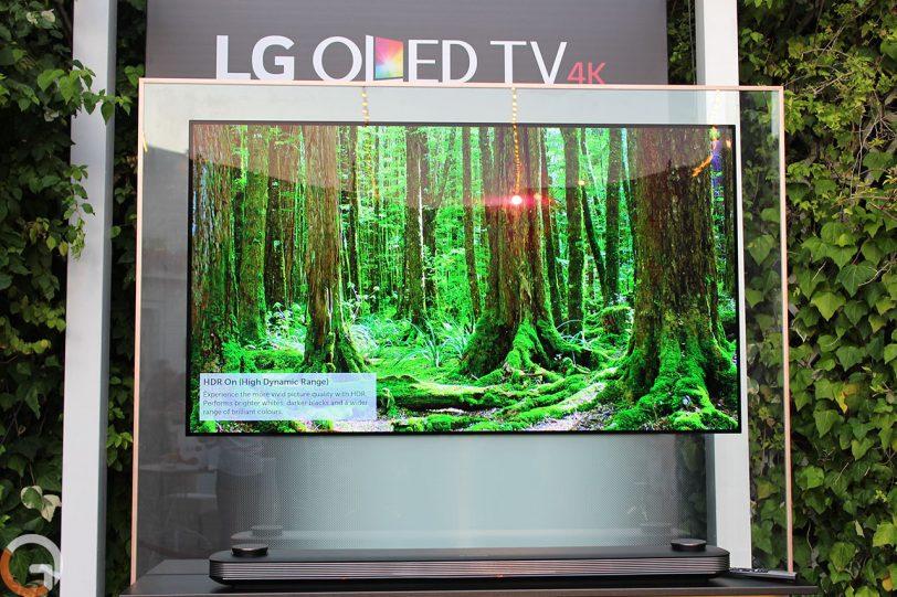 מסך טלוויזיה LG W7 (צילום: רונן מנדזיצקי, גאדג'טי)