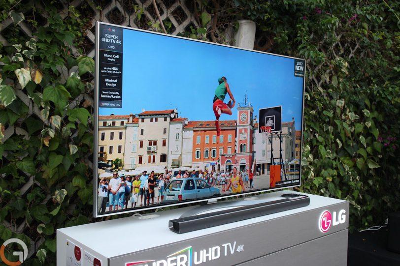 מסך טלוויזיה LG SJ80 (צילום: רונן מנדזיצקי, גאדג'טי)