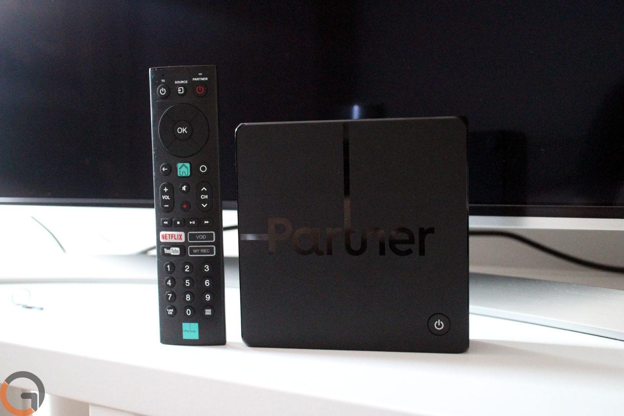 ממיר ושלט פרטנר TV (צילום: רונן מנדזיצקי, גאדג'טי)