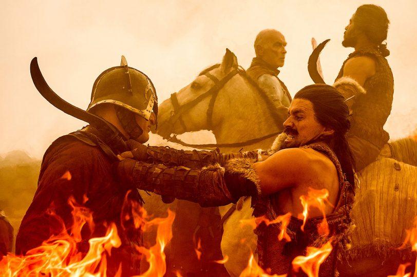 הדותראקי נלחמים בלאניסטרים תחת מעטה של אש
