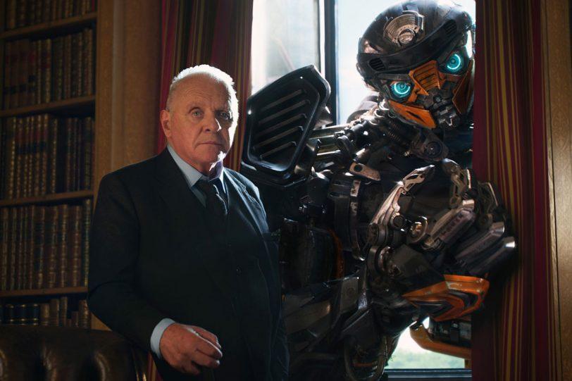 """אנתוני הופקינס מתוך """"רובוטריקים 5: האביר האחרון"""" (תמונה באדיבות Paramount Pictures)"""