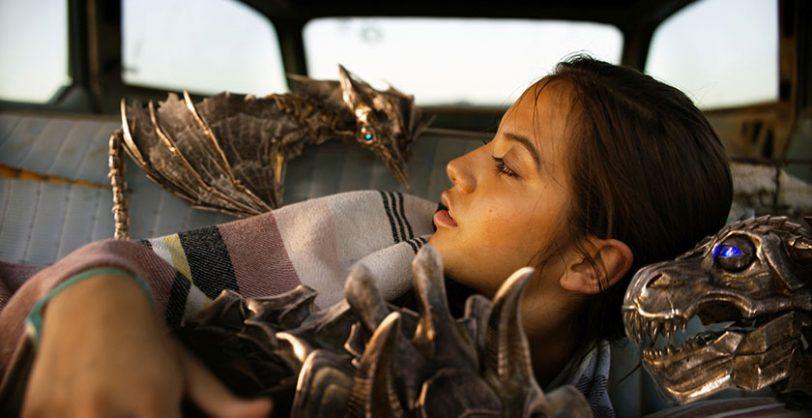 """הילדה איזבלה ורובוטריקים קטנים מתוך """"רובוטריקים 5: האביר האחרון"""""""