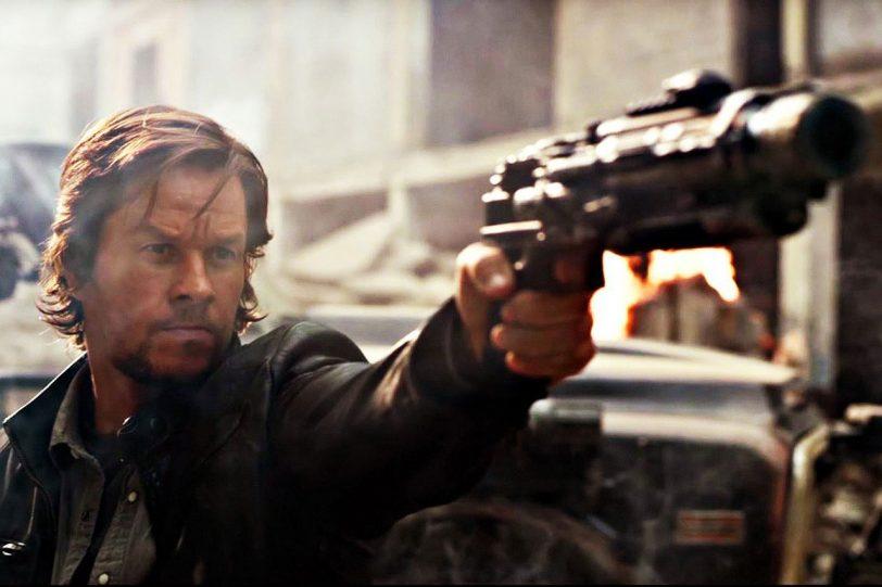 """מארק וולברג מתוך """"רובוטריקים 5: האביר האחרון"""" (תמונה באדיבות Paramount Pictures)"""