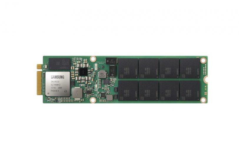 כונן SSD מדגם PM983 (מקור סמסונג)