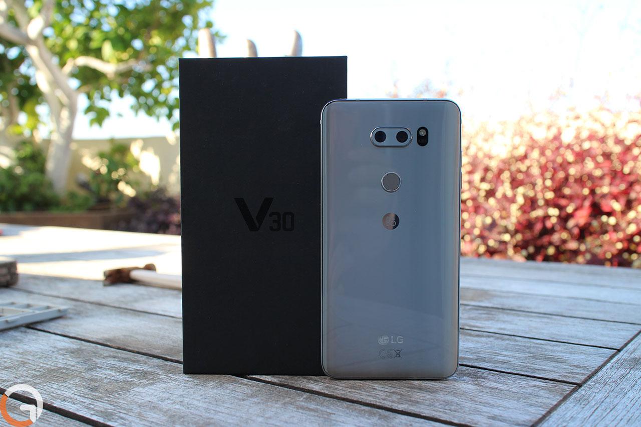 LG V30 (צילום: רונן מנדזיצקי, גאדג'טי)