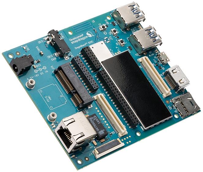 לוח פיתוח Dragonboard 820C (מקור ARROW)