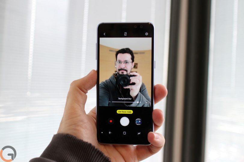 סלפי ב-Samsung Galaxy A8 (צילום: רונן מנדזיצקי, גאדג'טי)
