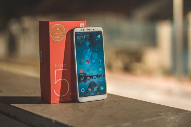 גאדג'טי מסקר: Xiaomi Redmi 5 Plus – נטול גימיקים בדרך משלו