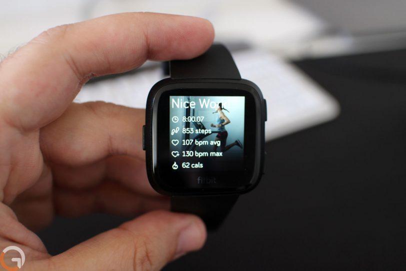 Fitbit Versa (צילום: רונן מנדזיצקי, גאדג'טי)