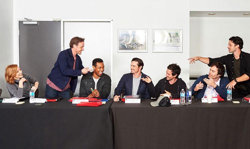 """צוות השחקנים בסרט """"זה: חלק 2"""" (תמונה באדיבות Warner Bros)"""