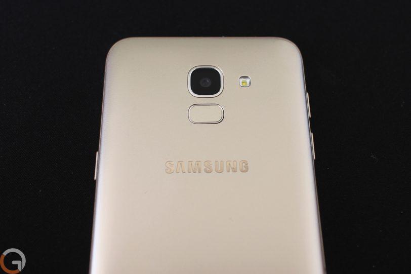 Samsung Galaxy J6 2018 (צילום: רונן מנדזיצקי, גאדג'טי)