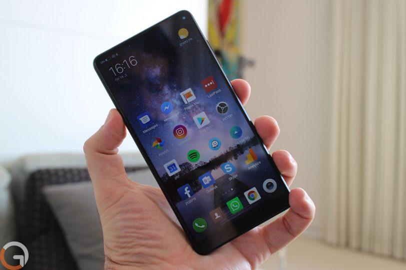 Xiaomi Mi Mix 2S (צילום: רונן מנדזיצקי, גאדג'טי)