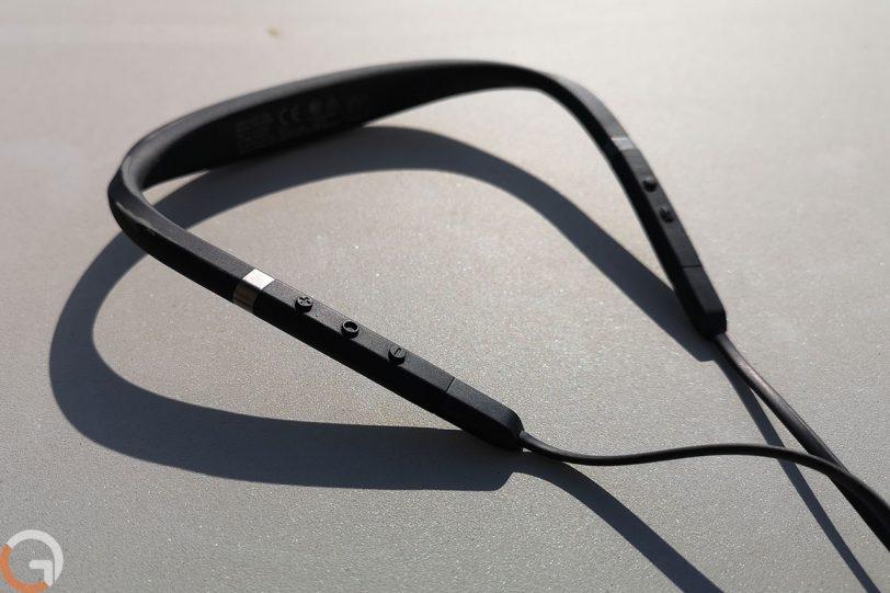 אוזניות בלוטות' Jabra Elite 65e (צילום: רונן מנדזיצקי, גאדג'טי)