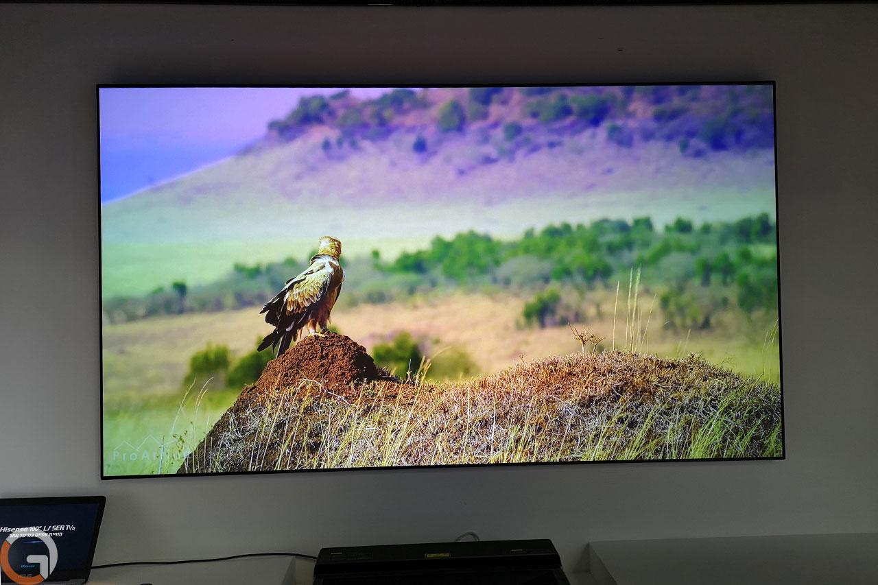 טלוויזית Hisense Laser TV (צילום: רונן מנדזיצקי, גאדג'טי)