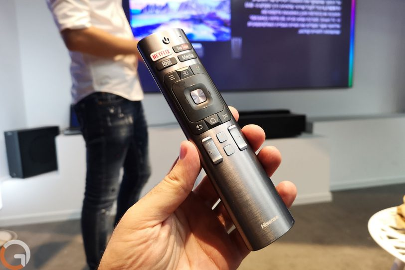 שלט רחוק לטלוויזית Hisense Laser TV (צילום: רונן מנדזיצקי, גאדג'טי)