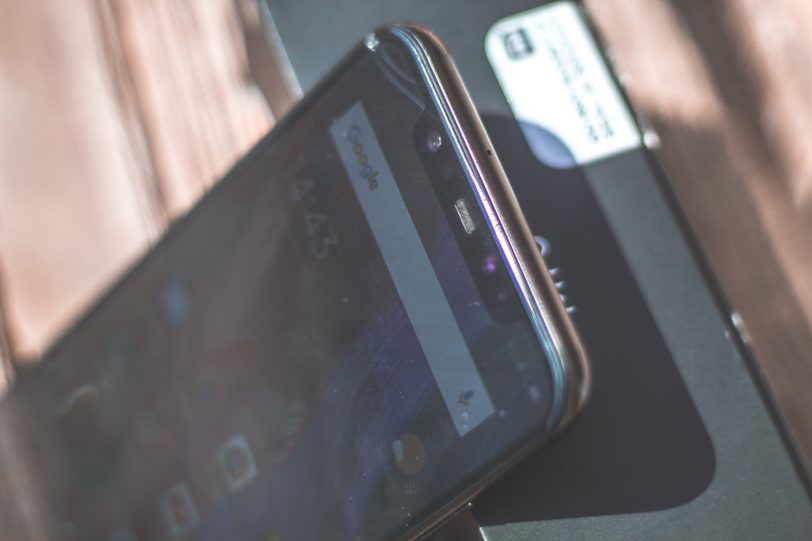 Xiaomi Mi 8 (צילום: אופק ביטון, גאדג'טי)