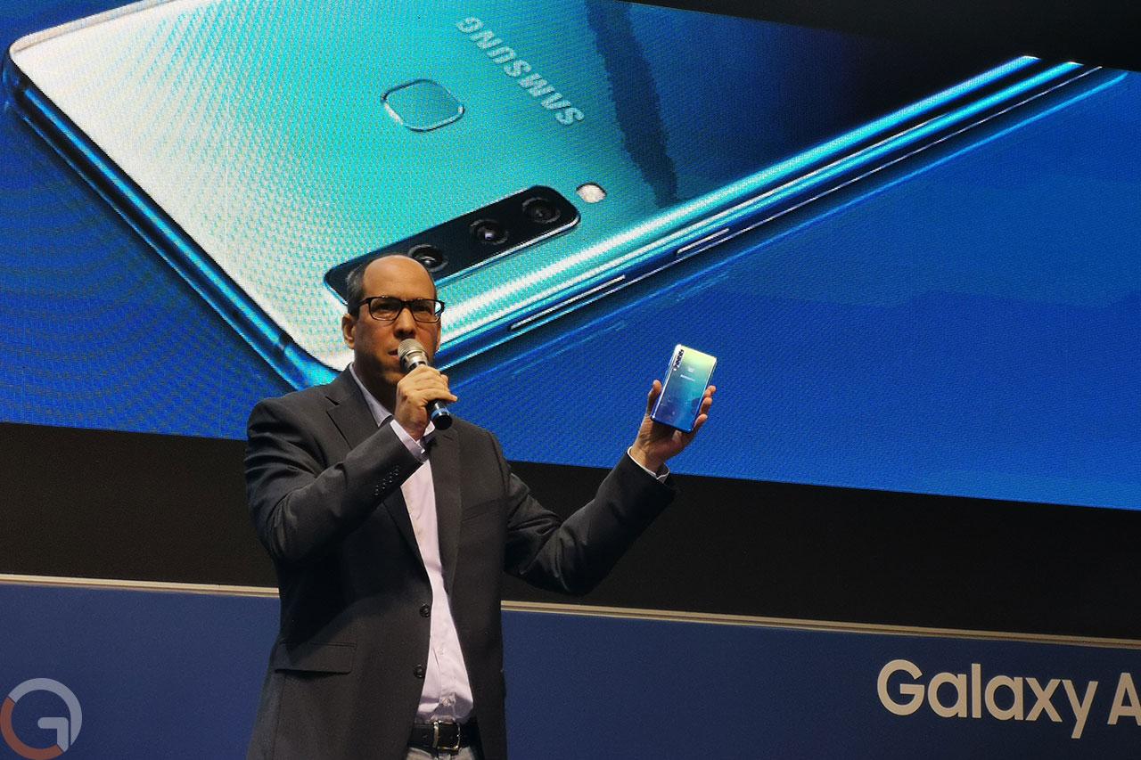 גיא היבש, סמסונג ישראל, מציג את ה-Galaxy A9 (צילום: רונן מנדזיצקי, גאדג'טי)
