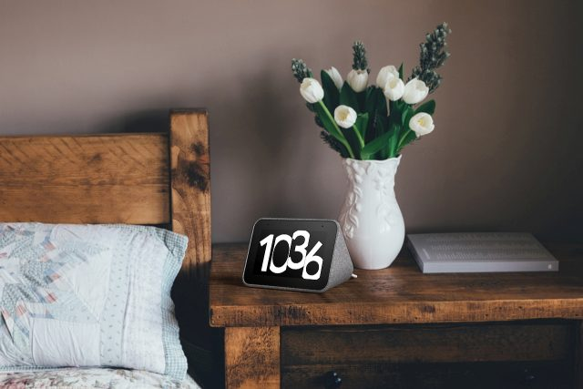 הוכרז: Lenovo Smart Clock – מסך זעיר וחכם