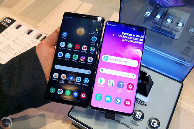 מימין לשמאל: Galaxy S10 Plus ו-Galaxy Note 9 (צילום: שלומי טורג'מן, גאדג'טי)