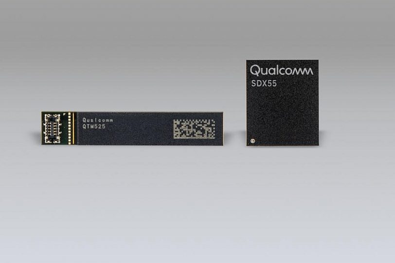 מודם Snapdragon X55 5G ואנטנת QTM525 (מקור קוואלקום)