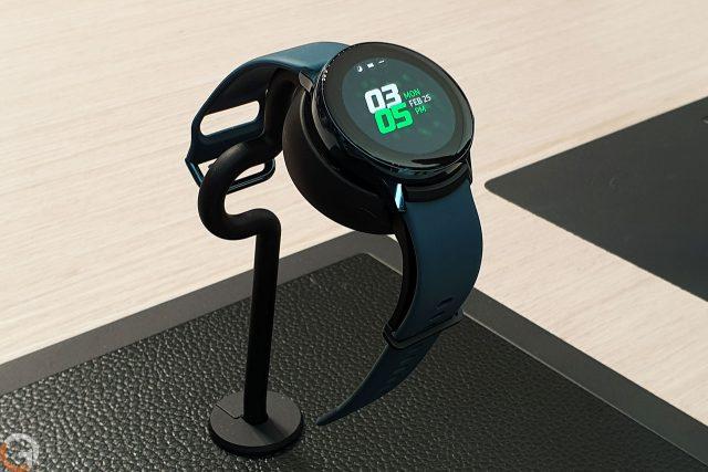 שעון ספורט Samsung Galaxy Watch Active (צילום: רונן מנדזיצקי)