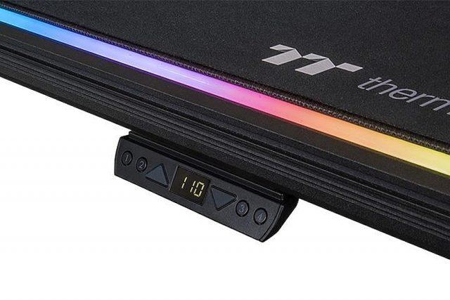 בקר שליטה RGB BattleStation (מקור Thermaltake)