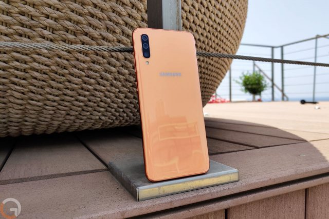 Samsung Galaxy A70 (צילום: רונן מנדזיצקי, גאדג'טי)