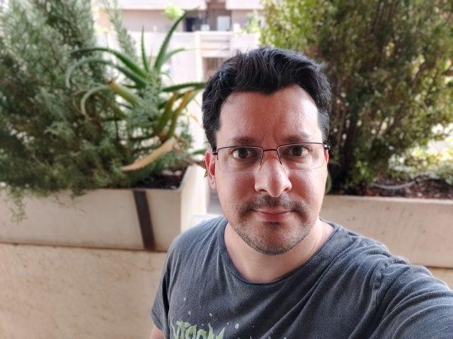 סלפי פורטרט OnePlus 7 Pro
