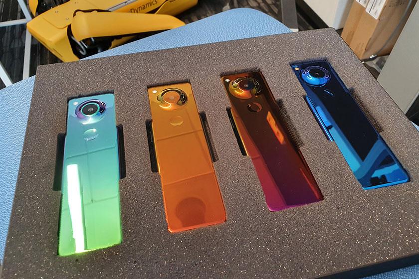Essential New Smartphone (תמונה: Twitter/Andy Rubin)