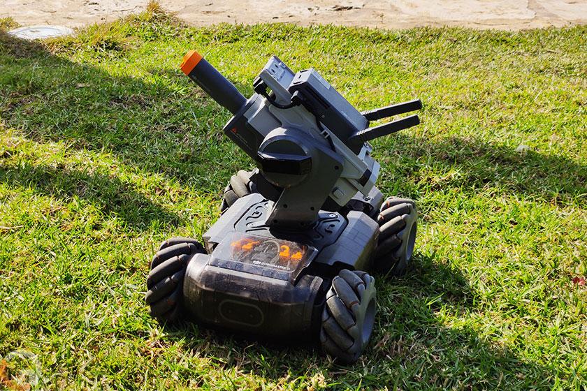 רובוט DJI Robomaster S1 (צילום: רונן מנדזיצקי, גאדג'טי)