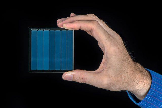 מיקרוסופט מדגימה את Project Silica – אחסון מידע בתוך זכוכית