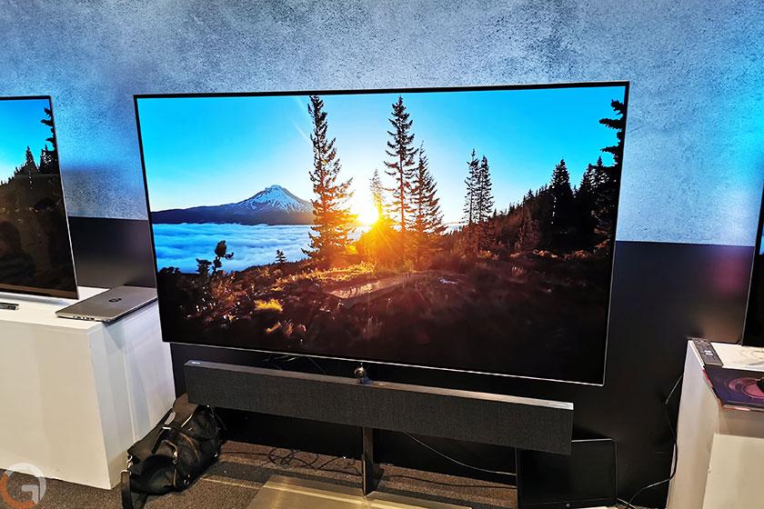 שלט טלוויזיה Philips דגם OLED984 (צילום: רונן מנדזיצקי, גאדג'טי)