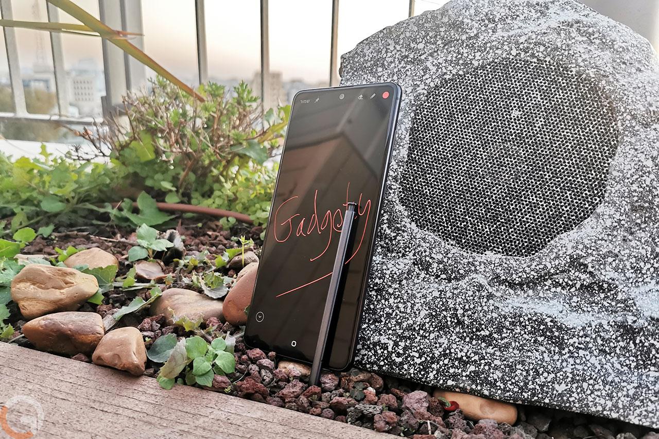 Galaxy Note 10 Lite (צילום: רונן מנדזיצקי, גאדג'טי)
