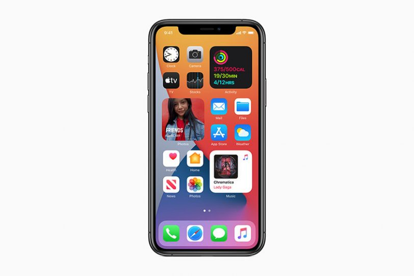 וידג'טים על גבי מסך הבית ב-iOS 14 (תמונה: אפל)